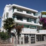 Apartmani Vujacic Bar se nalaze u Sušnju, 300 m od mora. Imamo apartmane koji gledaju na more i na planinu