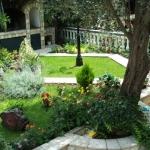 Apartmani Sekulić Bečići su idealni za odmor, smješteni u mirnom dijelu Bečića u neposrednoj blizini hotela Queen of Montenegro.