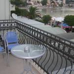 Apartmani Herceg Novi, Apartmani Kežman, Svi apartmani dnevnim prostorom gledaju na more,od kojeg nas odvaja samo šetaliste, klimatizovani su i imaju tv i dvd uredjaj.