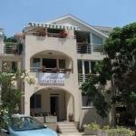 Apartmani President Herceg Novi su locirani u Kumboru,4 km istočno od Herceg Novog na ulazu u Bokokotorski zaliv.