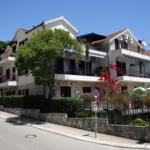 Apartmani Matijašević nalaze se u centru Igala, na manje od pedeset metara udaljenosti od plaže. Super luksuzna oprema u studio i dvosobnim apartmanima uz perfektna arhitektonska resenja u pravom mediteranskom okruženju