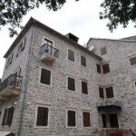 Apartmani Hotel VILLA DUOMO Kotor, nekada jedna od naboljih građevina svog vremena a sada transformisana u hotel visoke kategorizacije, nalazi se u srcu Kotora, jednom od najbolje sačuvanih srednjovjekovnih gradova na Mediteranu.