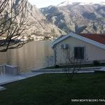 Apartmani Pašković Kotor se nalaze u srcu Bokokotorskog zaliva, na obali mora u ribarskom naselju Muo.