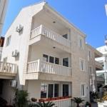 Apartmani Petrovac, Apartmani Franicevic se nalaze u srcu starog grada Petrovca na samo 20m od plaze