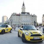 Besplatno ih prevozio mini taksi - Besplatno ih prevozio mini taksi