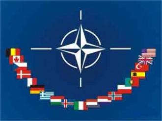 Između neutralnosti i NATO -