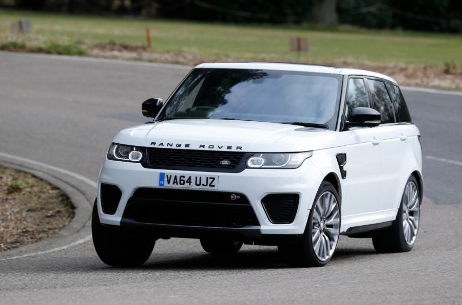 Land Rover u James Bond filmu -