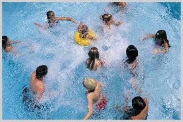 Bacili u bazenu - Bacili u bazenu